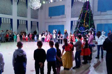 Митрополичья Рождественская елка проведена для детей в Духовно-Культурном Центре Астаны