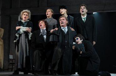 Постановку Театра им. Вахтангова «Дядя Ваня» покажут в США и Англии в кино
