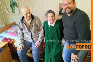 98 лет исполнилось ветерану ВОВ из Атырау, который в 1943 году привез люстру из Москвы