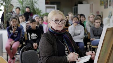 Мастер-класс российского живописца в художественной школе Нур-Султана
