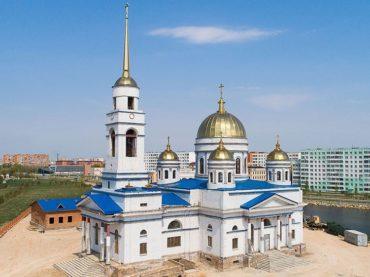 Руководитель представительства Россотрудничества в Казахстане передал в дар икону строящемуся храму в Кокшетау