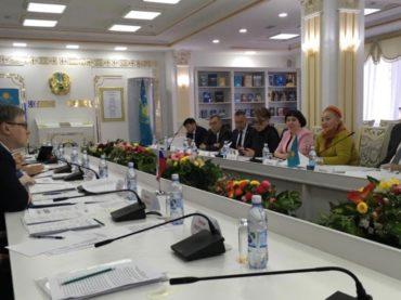 В Нур-Султане обсуждают развитие гуманитарного сотрудничества