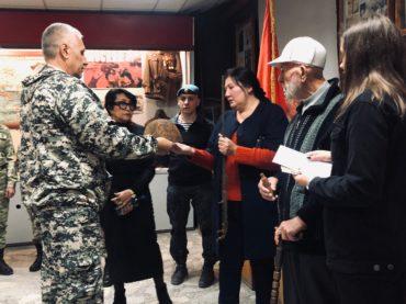 Личные вещи бойца панфиловской дивизии передали родственникам в Алматы