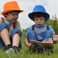 Мир отмечает день детской книги: что почитать на карантине