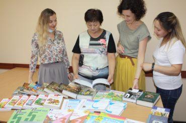 Российские книги – в дар казахстанским школам