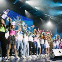 В новом сезоне музыкального телевизионного конкурса «Во весь голос» примут участие подростки из 10 стран
